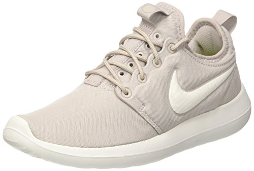 Nike Womens Roshe Two Low Top Lace Up Running Sneaker, Beige, Size 8.5