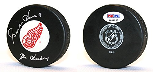 Gordie Howe Autographed Hockey Puck (Gordie Howe Autographed Hockey Puck - + Mr. ITP - PSA/DNA Certified - Autographed NHL)
