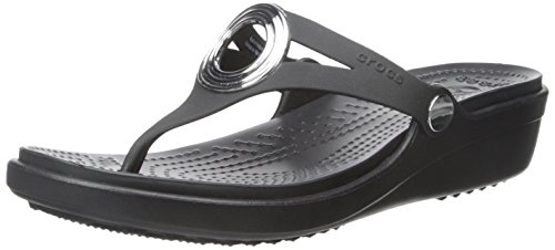 Crocs Women's Sanrah Beveled Circle Thong Sandals  - 6.0 M