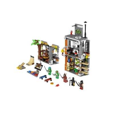 LEGO Ninja Turtles Turtle Lair Attack 79103: Toys & Games
