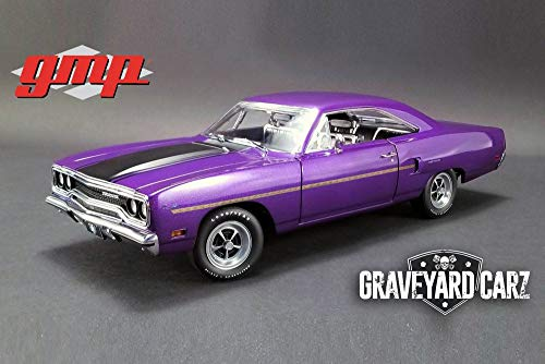 GMP 1970 Plymouth Road Runner Hard Top, Graveyard Carz 18897 - 1/18 Scale Diecast Model Toy Car ()