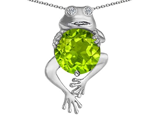 Star K Good Luck Frog Holding Round 10mm Simulated Peridot and Cubic Zirconia Pendant Necklace