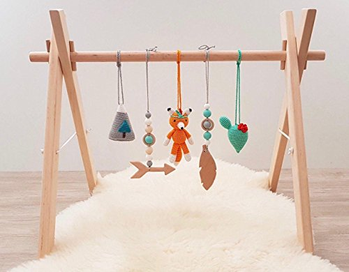 Tribal Baby play gym. Fox, Cacti, Mountain, Feather, Arrow. Wooden baby gym frame, crochet and wooden baby gym toys. Native american. Boho