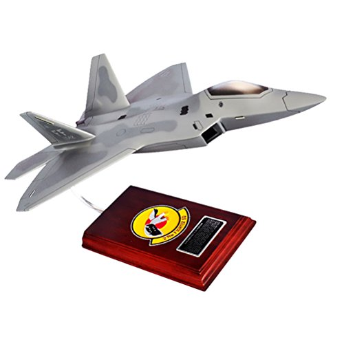 (Mastercraft Collection Lockheed Martin United States Air Force F-22 Raptor Jet Model Scale: 1/40)