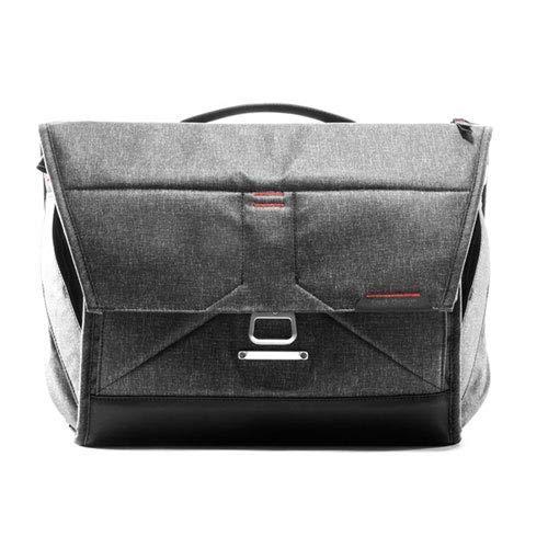 "Peak Design Everyday Messenger Bag 15"" (Charcoal) from Peak Design"