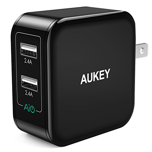 AUKEY USB Wall Charger with Dual-Port 24W/4.8A Output and Foldable Plug