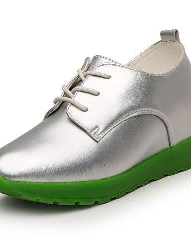 GGX/ Damen-High Heels-Lässig-PU-Flacher Absatz-Komfort-Schwarz / Weiß / Silber white-us8.5 / eu39 / uk6.5 / cn40