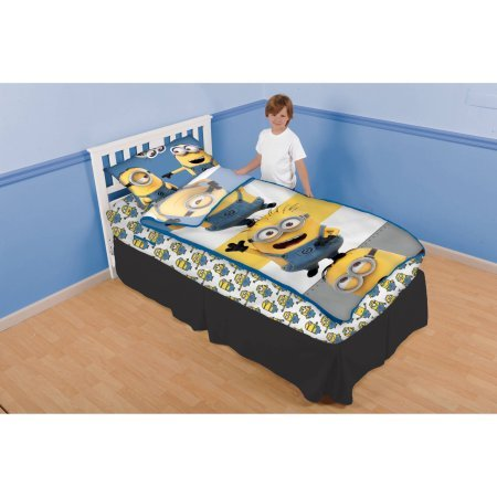 despicable-me-minions-close-bunch-zip-it-bedding-set-with-pillowcase