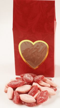 Scott's Cakes Sour Smoochie Lips in a 8 oz. Standing Hearts Box
