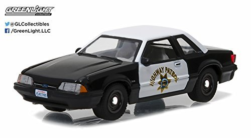 Greenlight 1: 64 Hot Pursuit Series 21 - 1990 Ford Mustang SSP - California Highway Patrol (CHP) Diecast Vehicle