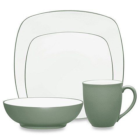(Colorwave Square 4-Piece Place Setting in Green)
