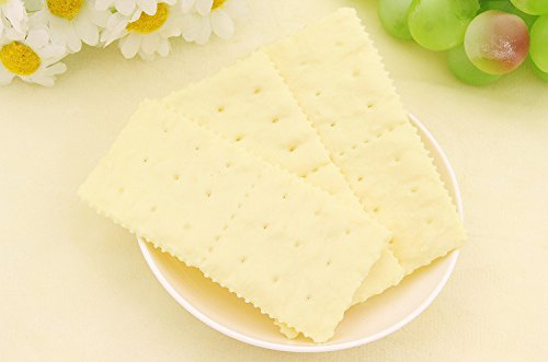 Nice purchase Artificial Fake Soda Biscuits Simulation Realistic Cookies Soda Crackers Food Dessert For Home Kitchen Decoration Toy Display Props by Nice purchase (Image #5)