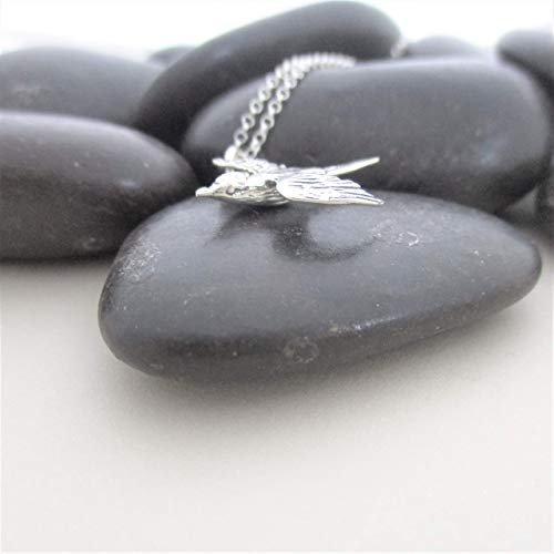 (Swallow Bird Necklace Animal Jewelry Bird Watcher Gift for Women Nature Lover Ornithology Gift Bird)