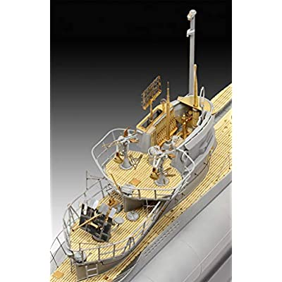 Revell Germany Level 1/72 Germany Naval Submarine Type VIIC / 41 (Premium Edition) Model 05163, RV05163: Toys & Games