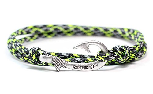 Chasing Fin Adjustable Bracelet 550 Military Paracord with Fish Hook Pendant (Ninja Warrior)