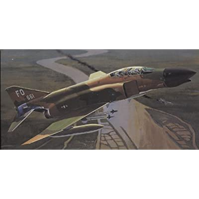 Tamiya 60305 1/32 Mcdonnell F-4 C/D Phantom II Plastic Model Airplane Kit: Toys & Games
