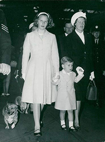Euston Station - Vintage photo of Princess Anne and Prince Andrew with her nurse at Euston Station