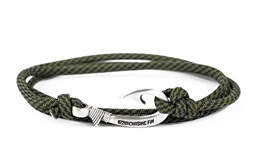 Chasing Fin Adjustable Bracelet 550 Military Paracord with Fish Hook Pendant (Comanche)