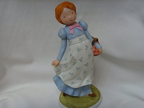 vintage-holly-hobbie-creation-8-porcelain-figurine