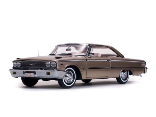 NEN 1:18 SUNSTAR AMERICAN COLLECTIBLE - ROSE / BEIGE 1963 FORD GALAXIE 500 XL HARDTOP Diecast Model Car By SunStar