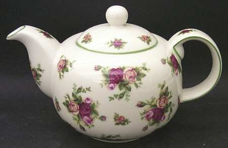 ROYAL ALBERT OLD COUNTY ROSE CLASSIC II COLLECTION LARGE TEA POT