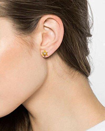 Star Solitaire CZ 18 Kt Solid Yellow Gold Party Wear Wedding Wear Stud Earrings