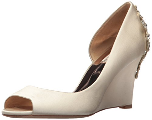 Badgley Mischka Women's Meagan Pump, ivory_271, 7.5 M US by Badgley Mischka