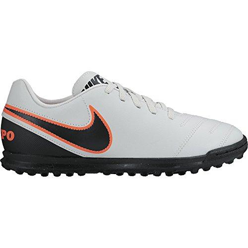 Nike JR Tiempo Rio III TF, Botas de Fútbol para Niños Plateado / Negro / Naranja (Pure Platinum / Black-Hypr Orng)