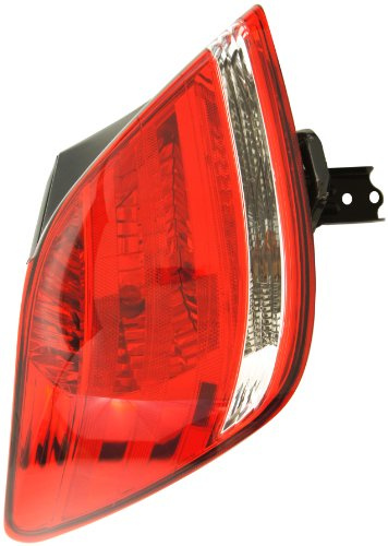 TOYOTA 81560-AC090 Driver Side Taillight Assembly Outer