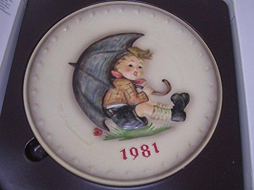 Hummel Goebel Bas Relief Annual Plate Boy Umbrella 1981