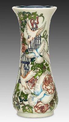 Moorcroft Pottery - Wedding Gift - 364/8 - Limited Edition 40