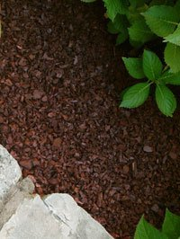 The Dirty Gardener 2,000 Pounds Rubber Mulch - Redwood