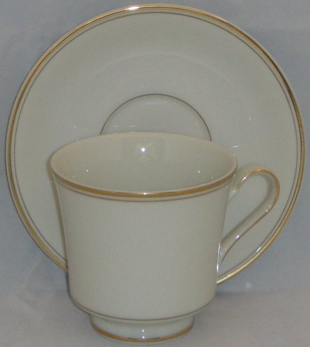 Mikasa Trousdale Footed Cup & Saucer Set