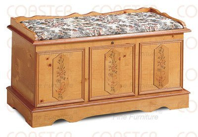 (Padded Pine Finish Floral Cedar Hope Chest Trunk Lock)