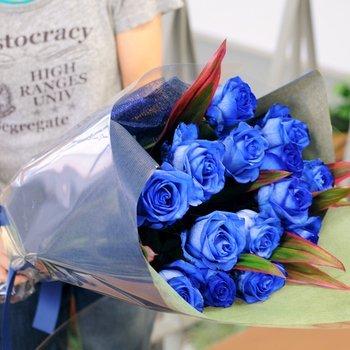 花 誕生日 プレゼント 青いバラの花束40本 ブルーローズ 薔薇 バレンタインデー ギフト 入学祝い 卒業祝い エーデルワイス 花工房 B00O5P6AZ0 40