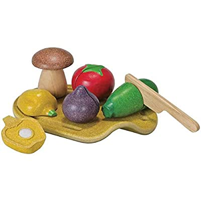 PlanToys 7 Piece Assorted Vegetable Food Playset (3600) | Sustainably Made from Rubberwood and Non-Toxic Paints and Dyes | Eco-Friendly PlanWood: Toys & Games
