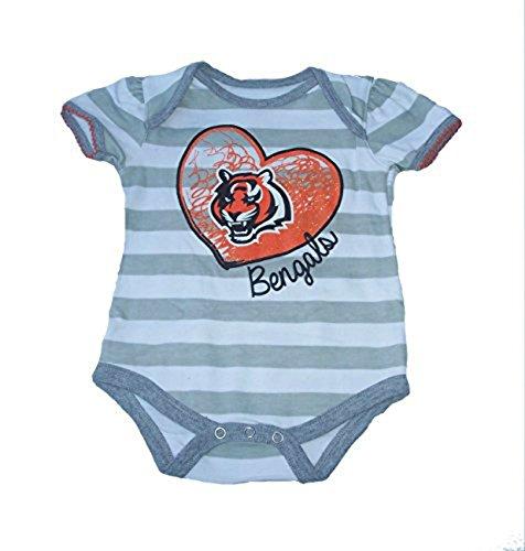 手数料安い Cincinnati Bengals幼児の女の子のサイズ18ヶ月クリーパー印刷ボディスーツ – – グレーとホワイトストライプクリーパー B071CLPNSZ, セレクトショップ フィールドワン:9a4c4ac0 --- arianechie.dominiotemporario.com