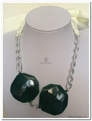 5bc3c92a2d78 Collar con piedras verdes