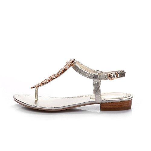 VogueZone009 Women's Low-Heels Soft Material Solid Buckle Split Toe Sandals Gold 8C3B5jHlmB
