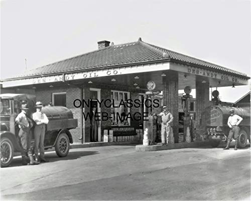 OnlyClassics 1920 Sinclair Gas Station Globe Pump Oil Sign Fuel Truck 8X10 Photo AUTOMOBILIA ()