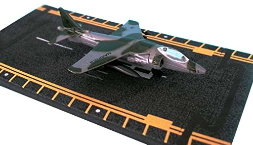 Hot Wings AV-8B Harrier Connectible Runway Die Cast Plane Model Airplane, Green ()