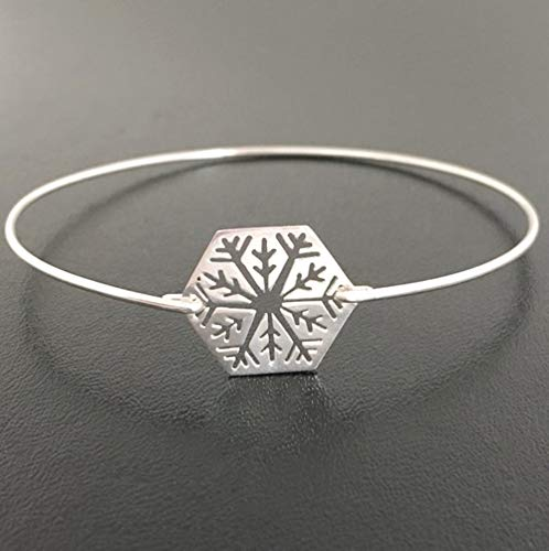 Frosted Willow Snowflake Bracelet Winter Fashion Jewelry Holiday Theme Christmas Gift Avg Size Woman]()