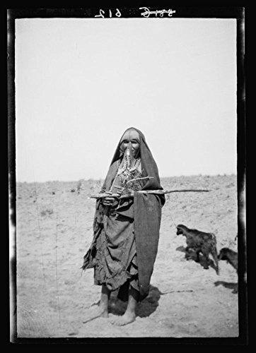1900 Photo Costumes, characters, etc. Bedouin shepherdess, Beersheba Location: Beersheba, Israel (Shepherdess Costume)