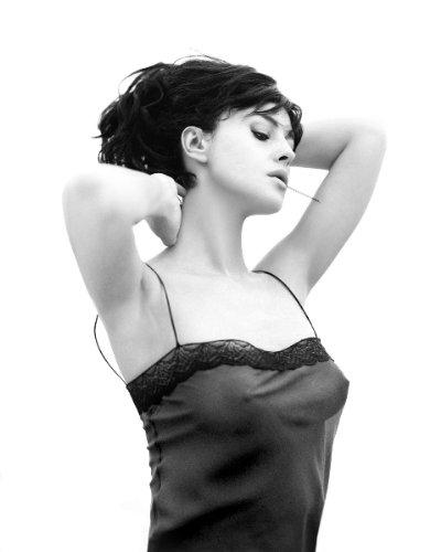 Monica Bellucci Sexy Little Top Black And White 494 8x10 Photo