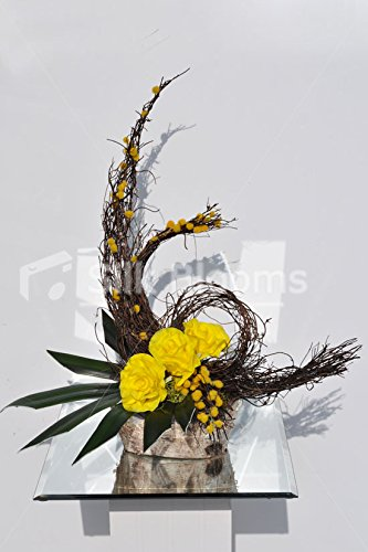 Modern-Fall-Vase-Display-Yellow-Roses-Orchid-Leaves-and-Mimosa