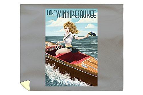 Lake Winnipesaukee, New Hampshire - Pinup Girl Boating 42885 (88x104 King Microfiber Duvet Cover)