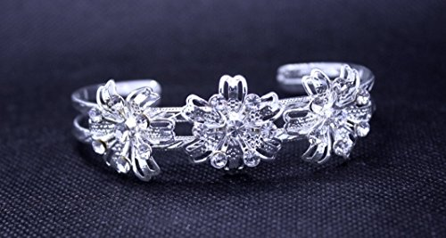 Exquisite Selebrity Bridal Wedding Rose Crystal Silver Cuff Bangle (Exquisite Silver Plated)