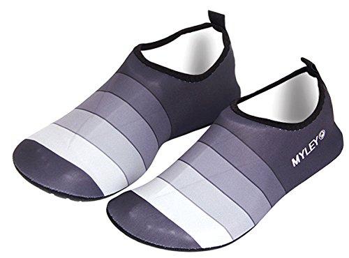 Louechy Fijn Heren En Dames Blootsvoets Waterschoenen Sneldrogend Aqua Sokken Voor Zwemmen Surf Yoga Grijs-gestreept