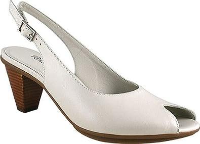 6bf4857f9 Amazon.com | Walking Cradles Women's Solo Sandals | Sandals