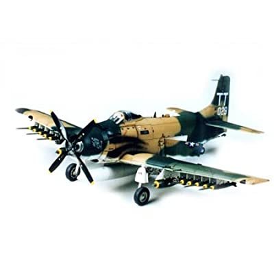 Tamiya Models Douglas A-1J Skyraider Model Kit: Toys & Games